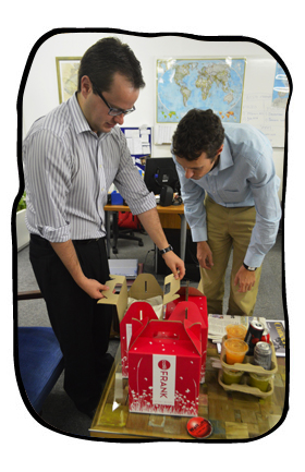 Johan & Henk checking out the picnic hampers.