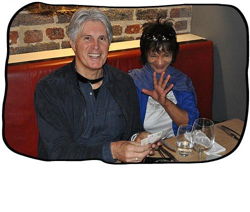2012 09 07 Cash payment. Philip & Anne, HQ, Cape Town.